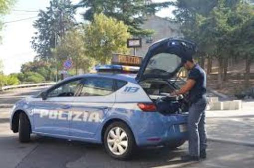 Aggredisce poliziotto dopo essere evaso dai domiciliari. Arrestato 60enne