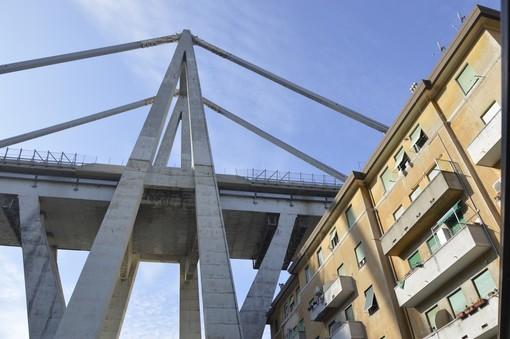 "Presidio gilet arancioni: ""Se hai un cuore unisciti a noi, noi siamo Genova"""