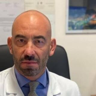 """Bassetti ai no vax: """"Non ne avete azzeccata una, studiate e state meno sui social"""""""
