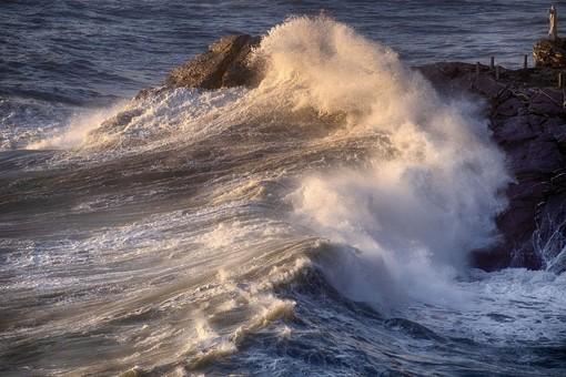 Meteo: prevista una mareggiata intensa sulle coste di Levante