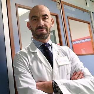 """Coronavirus, Bassetti: """"In Francia non c'è il lockdown. Stanno facendo con ritardo ciò che in Italia stiamo attuando da maggio"""""""