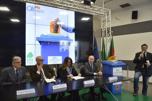 """Al via il progetto """"Oli-ndo"""" per il recupreo dell'olio da cucina nelle scuole genovesi (VIDEO)"""
