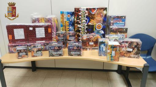 Denunciati due giovani per commercio abusivo di fuochi d'artificio
