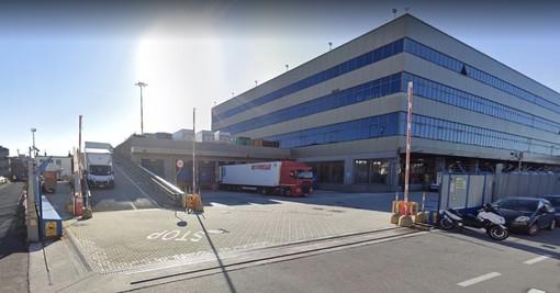 """Tutti contrari all'ufficio contravvenzioni del Ponente accanto all'aeroporto: """"Scomodo da raggiungere"""""""