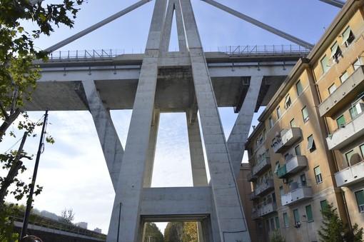 Ponte Morandi: oggi la demolizione del civico 10 di Via Porro