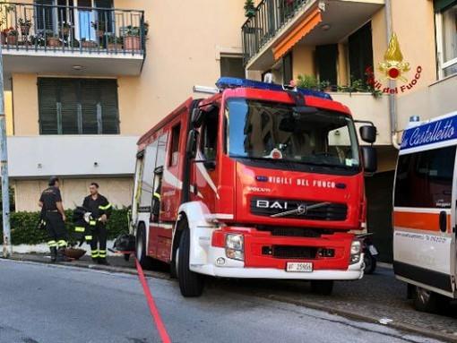 Incendio nella notte in via Crocco: una donna muore nel rogo