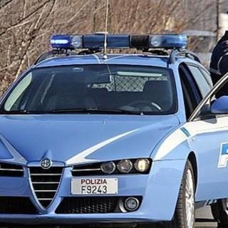 Guida senza patente e con un tubo in ferro nel portabagagli: denunciato un 57enne pregiudicato