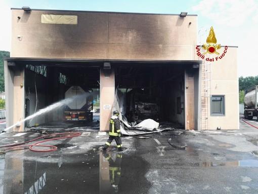Ronco Scrivia, domato l'incendio che ha coinvolto una cisterna di gas