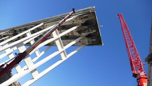 """Demolizione ponte Morandi, Bucci: """"Per ora best option il 24 Giugno"""""""