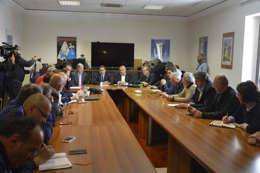 Piaggio Aero, sindacati e istituzioni fanno appello al governo: lavoratori pronti alla mobilitazione
