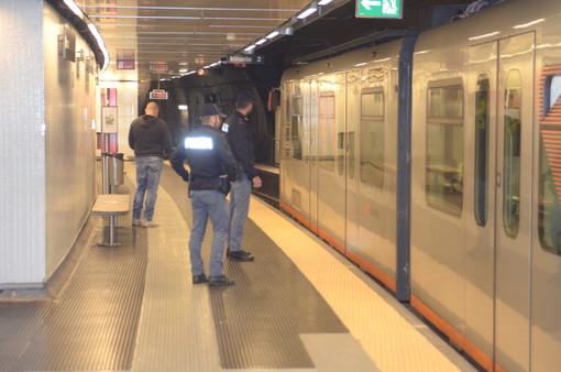Arrestato il giovane rapinatore della metropolitana di Genova
