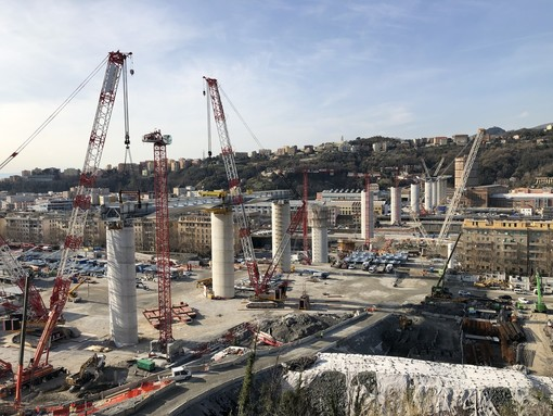 Nuovo ponte sul Polcevera: settimo impalcato e inizia il countdown per la fine delle pile (VIDEO)