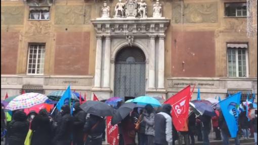 """Pubblico impiego in sciopero, i sindacati: """"Alta adesione, ora rinnovo dei contratti, stabilizzazione dei precari e nuove assunzioni"""" (VIDEO)"""
