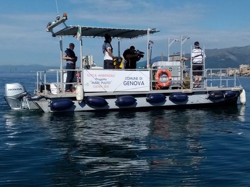 Riprende il servizio di raccolta dei rifiuti in mare (FOTO e VIDEO)