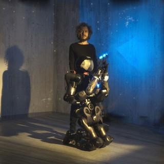 Istituto Italiano di Tecnologia: il nuovo robot umanoide COMAN+ protagonista nel video clip musicale dell'artista Alex Braga (FOTO e VIDEO)