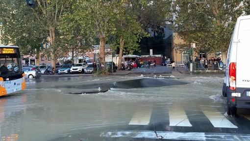 Guasto ai tubi dell'acqua in Val Bisagno: ritardi per i bus di Atp