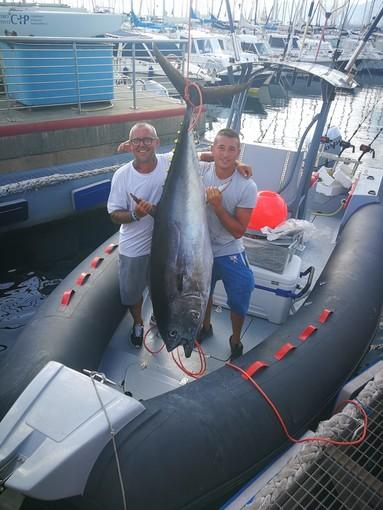 Tonno record da 130 chili pescato a largo di Genova