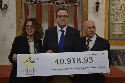 Stelle nello Sport consegna al Comune 40 mila euro per le vittime del Morandi