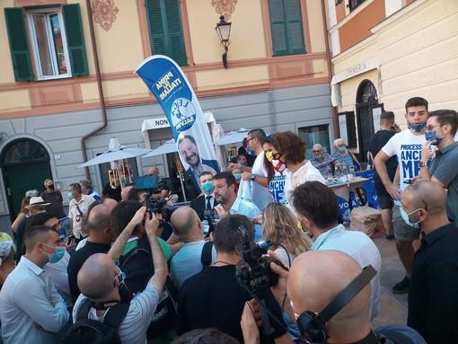 Il leader della Lega Matteo Salvini visita Loano: la diretta