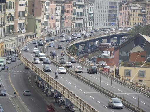 Traffico a Genova: rallentamenti in Sopraelevata e su Lungomare Canepa