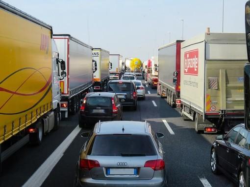Autostrade: lunghe code per un tamponamento sulla A12 in una galleria tra Genova Nervi e Genova Est