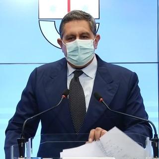 """Il presidente Toti categorico: """"Prendiamo esempio dal resto d'Europa: via le mascherine all'aperto"""""""