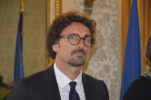 """Crollo Morandi, Tajani chiede dimissioni di Toninelli: """"Incapace"""""""
