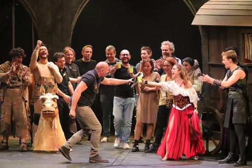 """Il musical """"Notre Dame e il Mistero della Cattedrale"""" al Politeama Genovese"""
