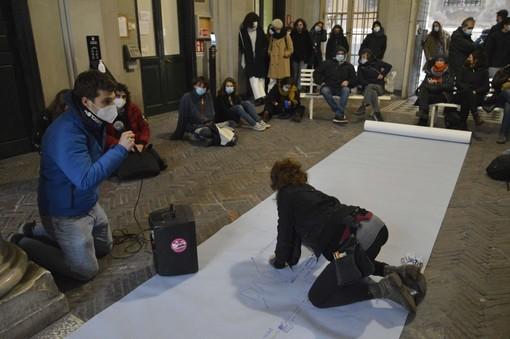 Gli universitari genovesi si mobilitano: assemblea pubblica a Balbi 4 (VIDEO e FOTO)
