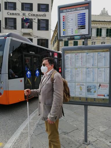 Covid e trasporto pubblico: nuove disposizioni Amt per agevolare i non vedenti e gli ipovedenti