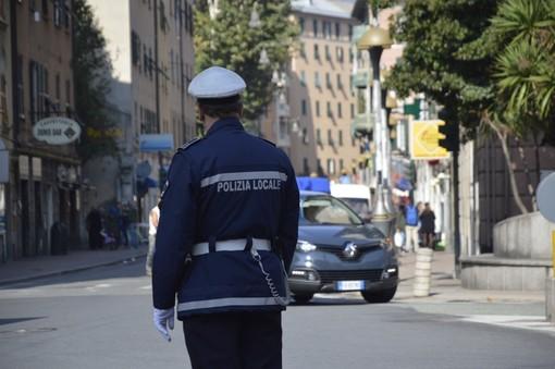 Distrazioni alla guida: a Genova controlli straordinari della Stradale