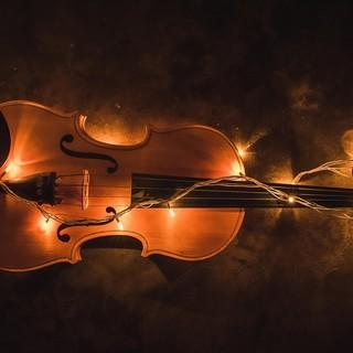 """La leggenda della """"Casa del violino"""" a Scogna Sottana, in provincia di La Spezia"""